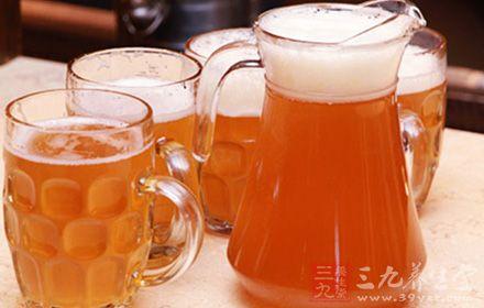 老板给鲜啤灌工业二氧化碳获刑 多喝易中毒