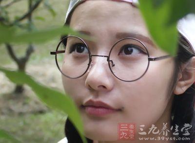 带平光眼镜会近视吗_眼镜带时间长了眼睛度数会变高吗?-近视眼镜戴久了会不会近视 ...