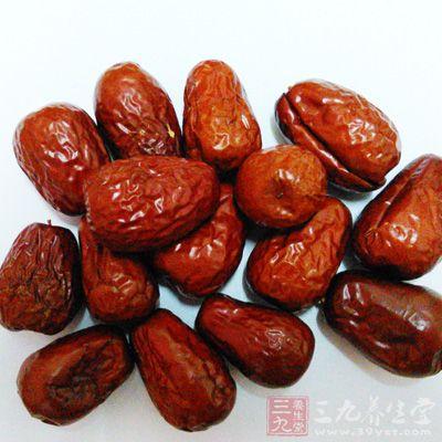 常吃红枣有助于补气血,调理脾胃不和