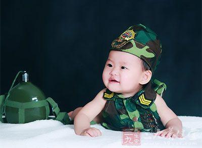 出生后到满1周岁之前为婴儿期又称乳儿期