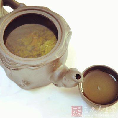 茶中富含的抗氧化剂(多酚)有助于人体抵御心脏病