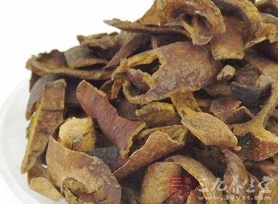 石榴皮碱中毒时,能引起发热、头晕、视物模糊、蚁走感、恶心、呕吐