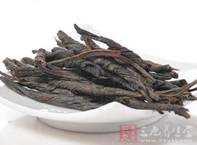 苦丁茶具有清咽利喉、清热解毒、护肝解酒、消炎利便等功效