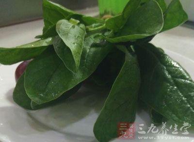 吃大量菠菜,也许可减低老年失明的危险