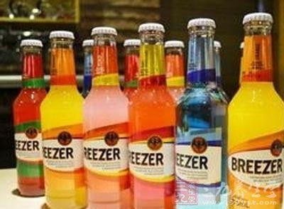 冰锐6款果味预调酒无果汁 味道由添加剂勾兑
