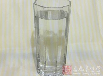 水,发鸭掌350克,红椒5克