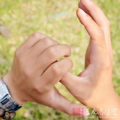 四肢发麻是某种疾病的预兆