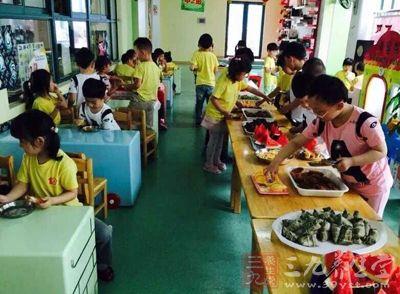 广州一小学多名学生晨检腹泻呕吐 疑似食物中毒