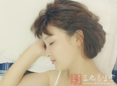 【健康】男女用这姿势入睡能多活10年