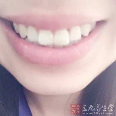 如果上颚的牙齿出现感染,细菌可以穿过骨结构感染至鼻窦