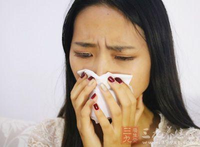 常有咽喉痛、干咳,可有鼻塞、流涕、胸骨后不适等