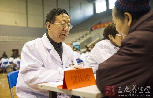 山东省医学会举办的大型义诊宣传活动