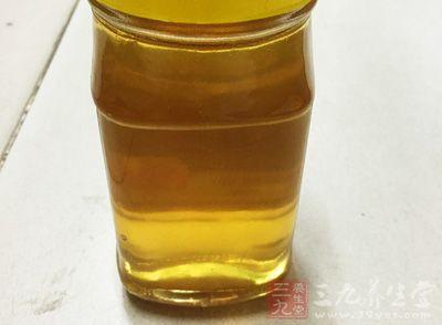 柠檬蜂蜜水的正确泡法 这样泡竟可缓解便秘