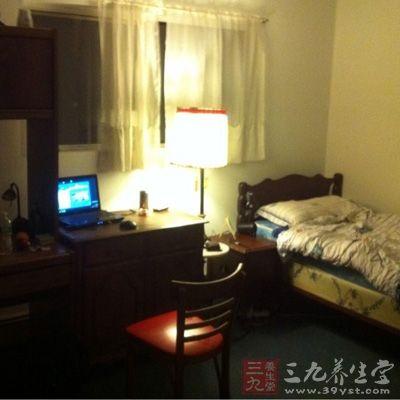 卧室放满绿色植物