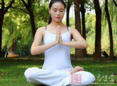 理疗瑜伽 练九式理疗瑜伽有益女性健康