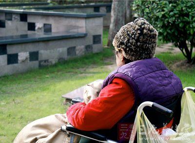 我国骨质疏松患者近八成是50+女性