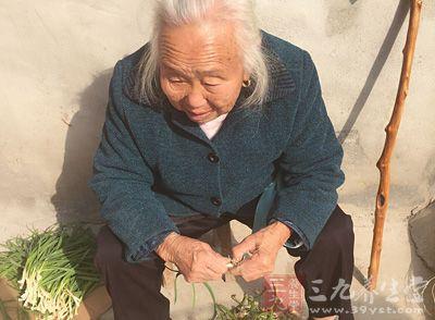近10年,我国90岁以上老人已增长了近一倍