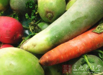 刚刚从菜园子里摘下的新鲜蔬菜