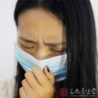 出現發熱、咳嗽、胸悶等現象