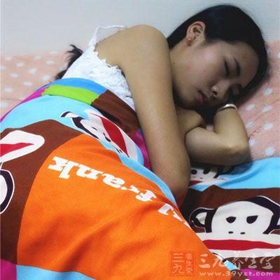 较难入睡、寐而梦多
