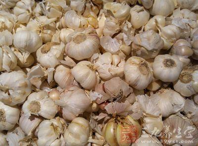 生食大蒜有提高正常人葡萄糖耐量的作用