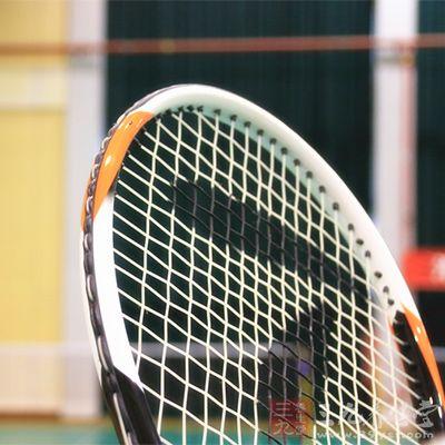 打网球是一个很有利于心脏健康的运动