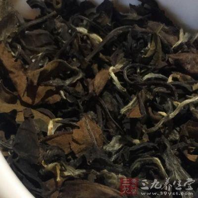茶叶色泽与原料嫩度、加工技术有密切关系