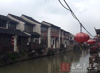 富安桥是江南仅存的立体形桥楼合壁建筑