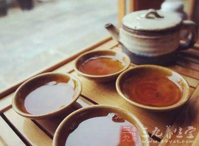 硫唓却背后与修为两人在茶馆约见