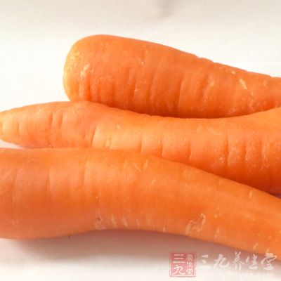 """胡萝卜被誉为""""皮肤食品"""",能润泽肌肤"""