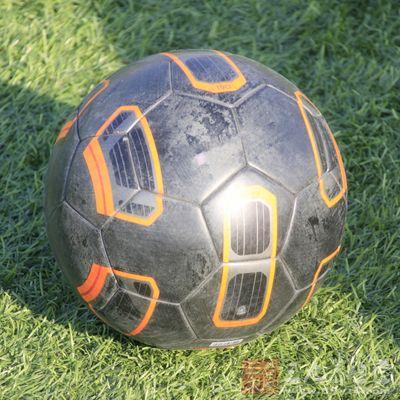 怎么踢足球 足球规则技巧大盘点(2)