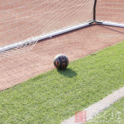 怎么踢足球 足球规则技巧大盘点(3)