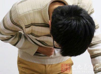 大多数表现为腰部或上腹部钝痛