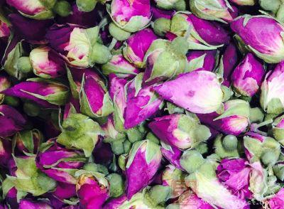 玫瑰柠檬茶性质温和、降火气,可调理血气