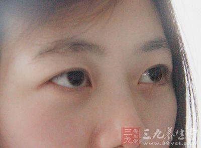 总感觉眼睛里有异物_感觉眼睛里有异物 感觉眼睛里有异物怎么办