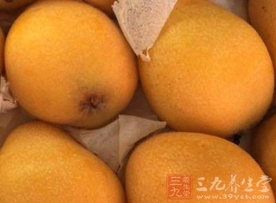 """白沙枇杷又名""""白玉枇杷""""。果实均匀整齐,形如圆球而稍扁,肉厚汁多,肉色晶莹"""