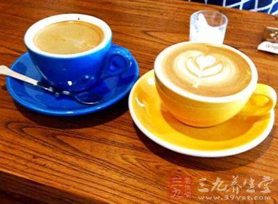 喝咖啡可使心跳加快、血压升高