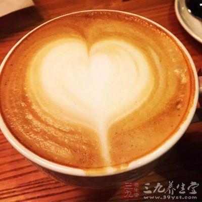 空腹饮用原本就有刺激性的咖啡,很容易引起胃气受伤