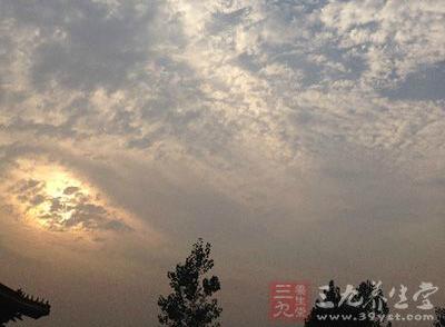 早春二月,清晨的气温是相对较低