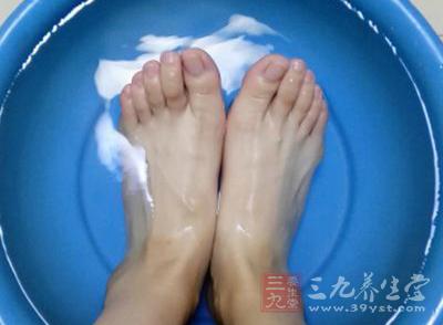 泡脚可以促进身体血液循环