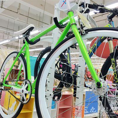 有氧性骑车法主要以中速骑行,一般要骑45-60分钟
