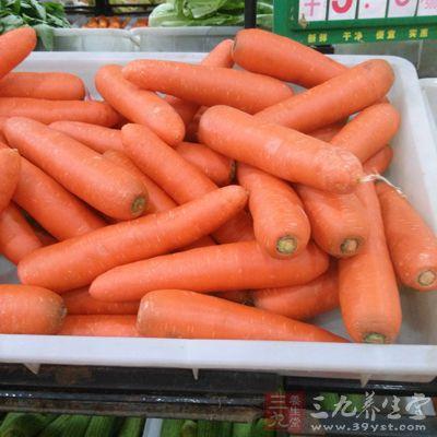 胡萝卜炖着吃不仅可以让果肉变得柔嫩爽口
