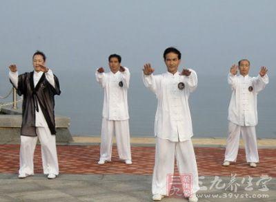 杨式太极拳85式视频 太极对心脏的保健作用
