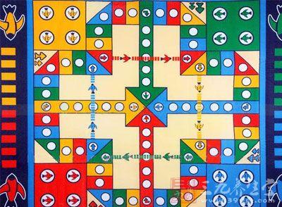 回忆童年感觉 重温飞行棋的规则