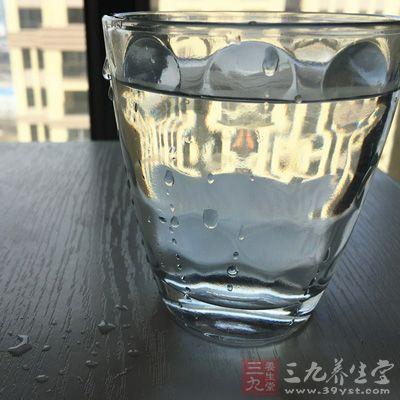 苏打水冲洗_可使用2%~4%的小苏打水冲洗阴道