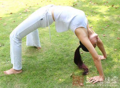 对缓解我们的腰部不适有着很好的帮助,坚持练习还有瘦腰的功效