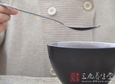 【有问必答】喝错5种水易致病 冬季养生如何喝水保健