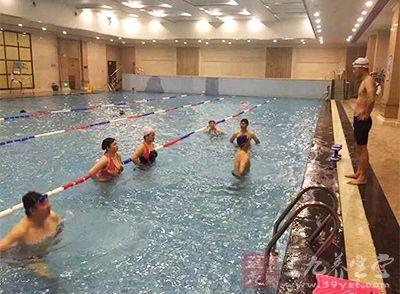 游泳技巧 游泳瘦身应该学会哪些小技巧