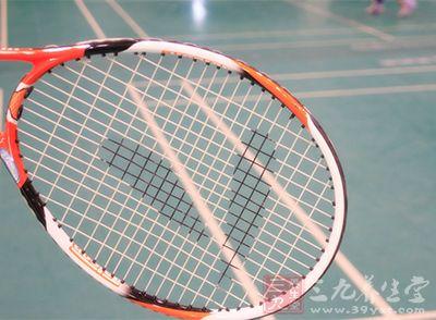 很多人都认为,打网球是一种很费力的运动