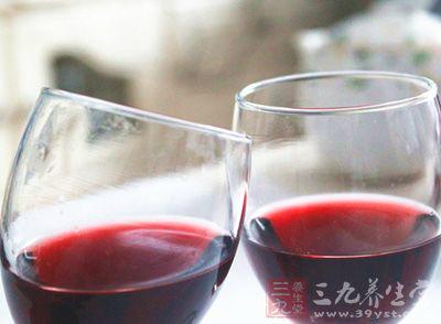 喝葡萄酒的好处 你知道葡萄酒能治病吗